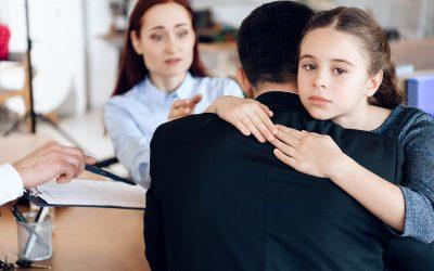 A bíróságok intézik márciustól a gyermekekkel való kapcsolattartás vitáit