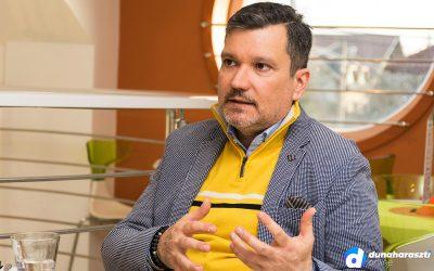 Zakóban, lazán! – Interjú Ugodi Tibor, stílustanácsadóval