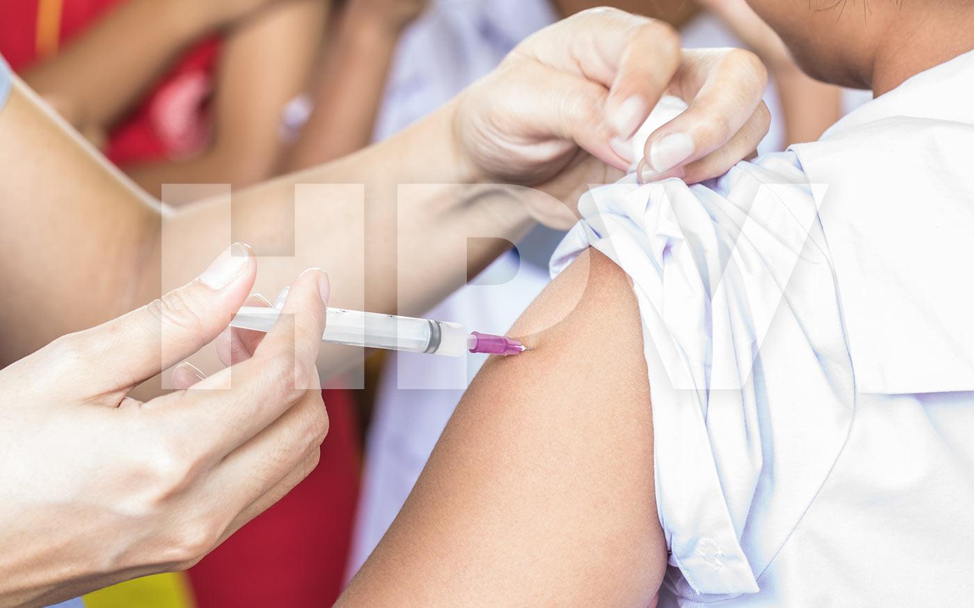 A következő tanévre tehetik át a hetedikesek HPV elleni oltását