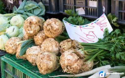 Visszamosolyog a nyár – nyüzsgő szombati piac