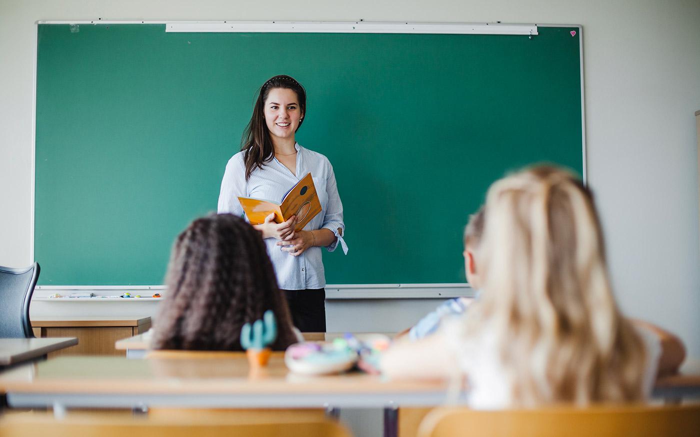 Támogatást kapnak a tanárnak készülők