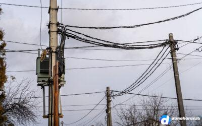 ELMŰ: faágak okozhatják a pillanatnyi áramkimaradásokat