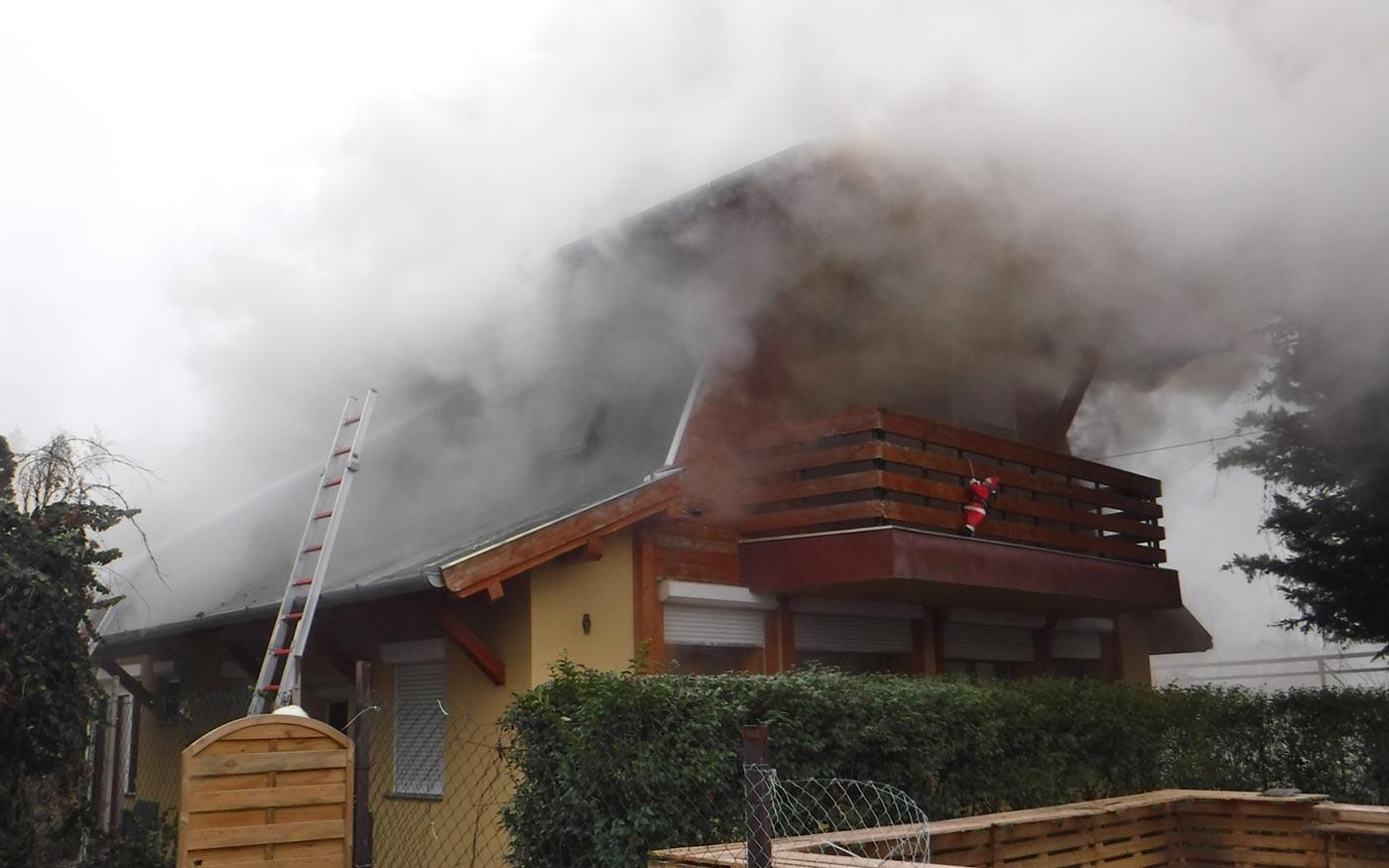 Családi ház lángolt Szigetszentmiklóson