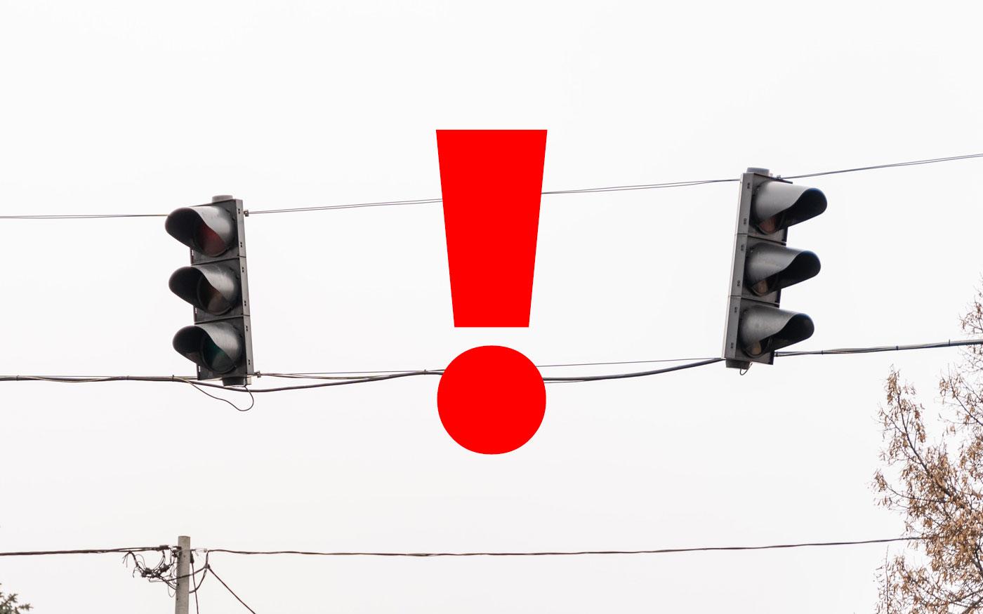 Nem téves, hanem új információ: két hónapról két hétre faragta az Önkormányzat a Közútnál a lámpás kereszteződés javítását
