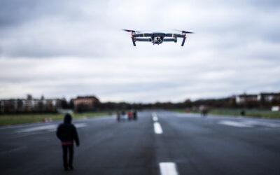 Drón röptető
