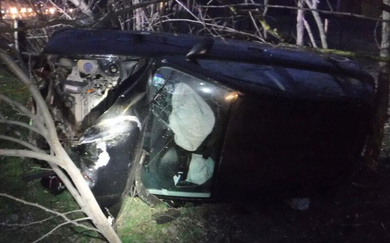 Oldalára borult az autó. fotó: PMKI Szigetszentmiklós HTP