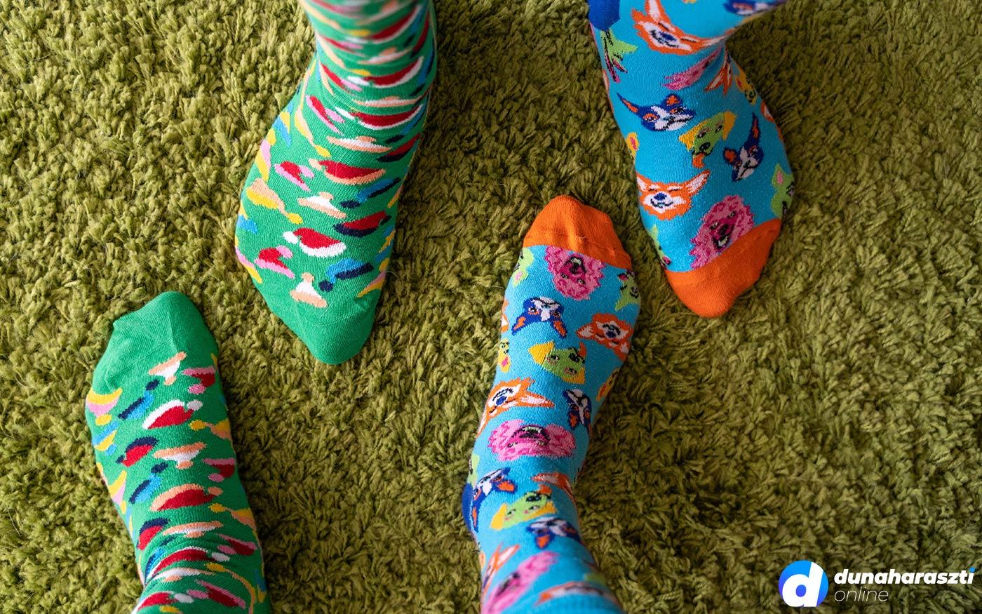 A Down-szindróma világnapja van! Felemás zoknit fel!