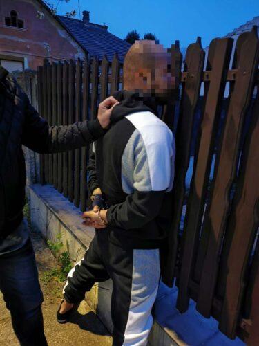 A rendőrségi rajtaütés. forrás: police.hu