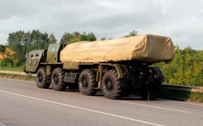 Katonai konvojok az M0-on
