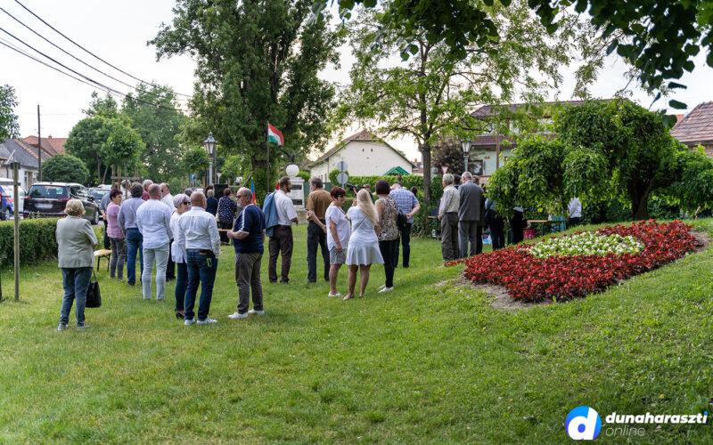 Megemlékezés Dunaharasztin a Nemzeti Összetartozás Napján. fotó: dho