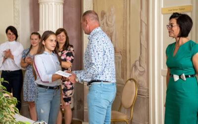 Dunaharaszti gyerekek tettek sikeres nyelvvizsgát – bizonyítványosztás